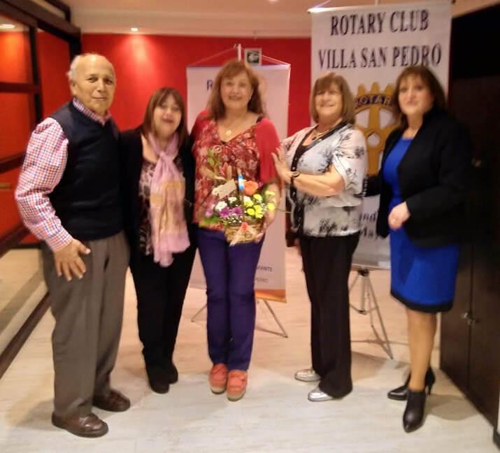 Margareth y socios del Club