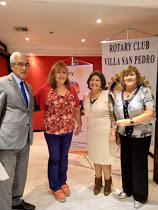 Margarteh Wilhmen con Presidente, Secretaria y Madrina